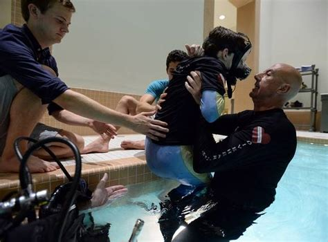 Moving Picture: Ex-exec gives freedom of scuba diving to