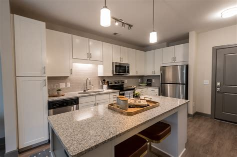 Browse Photos of Sojourn Glenwood Place Apartments