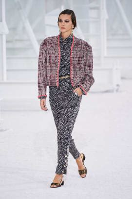 Chanel's Vision of Hollywood for Spring 2021 Is Devoid of