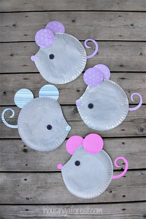 Paper Plate Mouse | Fun Family Crafts