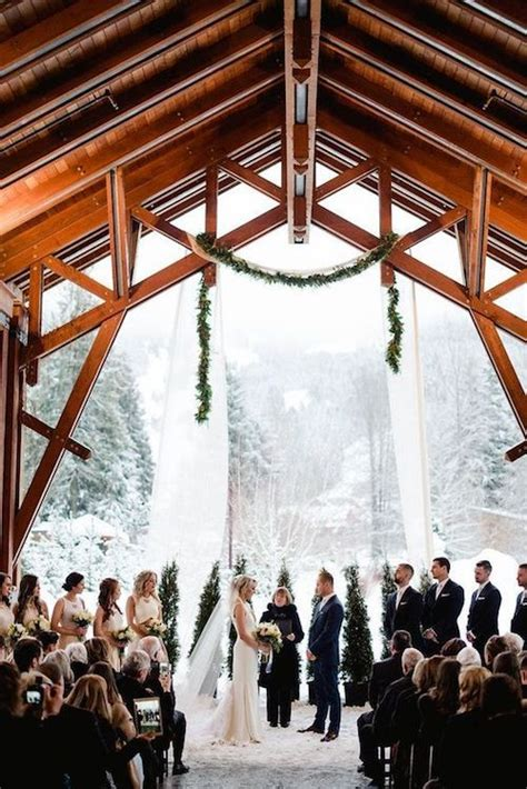 40+ Amazing Winter Wedding Ideas For Couples On A Budget