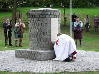 Falkirk Cairn Unveiling 2007